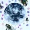 Ručně malovaný autorský lapač snů - obraz zdobený pírky a minerály, průměr 30 cm