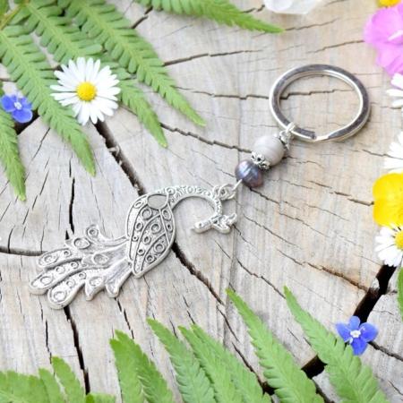 ~TIŠE~ Originální přívěsek na klíče páv s pravou perlou a jaspisem