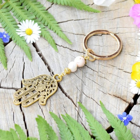 ~POHÁDKOVÁ~ Originální přívěsek na klíče Hamsa s pravou perlou a magnezitem