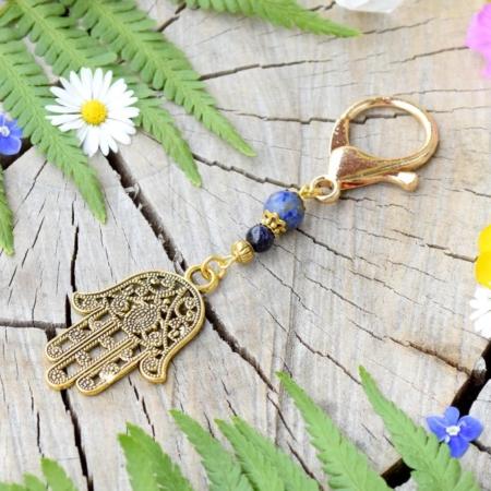 ~GALAKTICKÁ~ Originální přívěsek na klíče Hamsa s lapisem lazuli a avanturínem