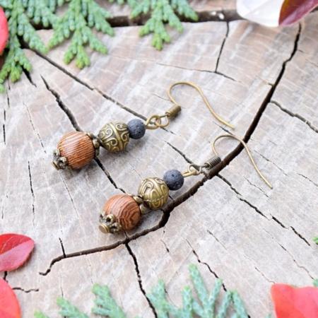 ~(ZE)MĚ~ Visací náušnice s lávovým kamenem a dřevem