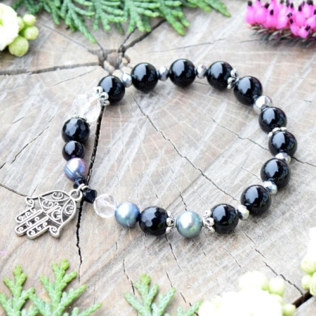 ~ELEMENT~ Elegantní perlový náramek s černým onyxem a křišťálem, přívěsek Hamsa