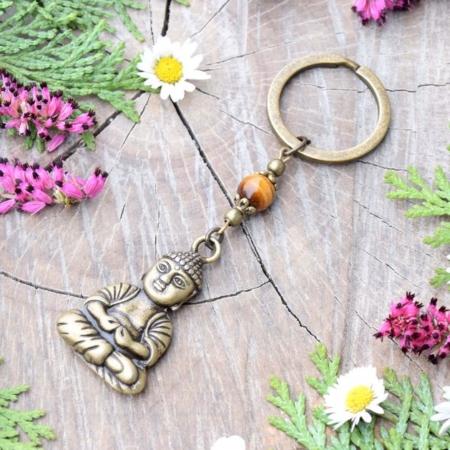~(POD)VĚDOMÍ~ Originální přívěsek na klíče Buddha s tygřím okem