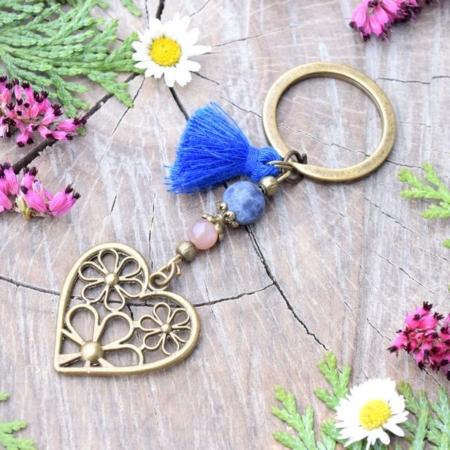 ~VĚŘÍM~ Charitativní kolekce ~ Přívěsek na klíče srdce se sodalitem a slunečním kamenem