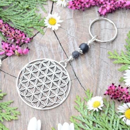 ~SÍLA~ Originální přívěsek na klíče květ života s onyxem a lávovým kamenem