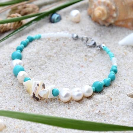 ~VE VLNÁCH TANČÍM~ Unikátní autorský náramek z pravých perel, ručně sbíraných mušlí a minerálních kamenů