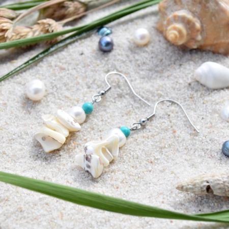 ~VE VLNÁCH TANČÍM~ Unikátní autorské náušnice z pravých perel, ručně sbíraných mušlí a minerálních kamenů
