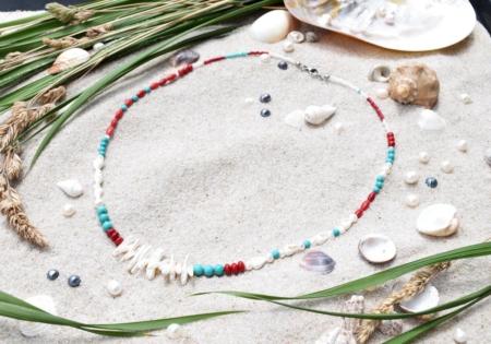 ~VE VLNÁCH TANČÍM~ Unikátní autorský náhrdelník z pravých perel, ručně sbíraných mušlí a minerálních kamenů, nerez ocel