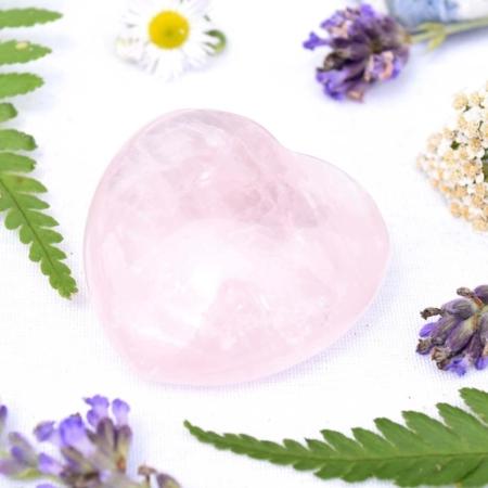 Přírodní minerální kámen - srdce z růženínu, 4x4 cm