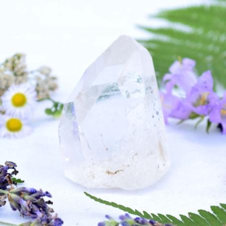 Přírodní minerální kámen - křišťálový hrot, 7x4,5 cm