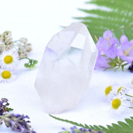 Přírodní minerální kámen - křišťálový hrot, 6x3,5 cm