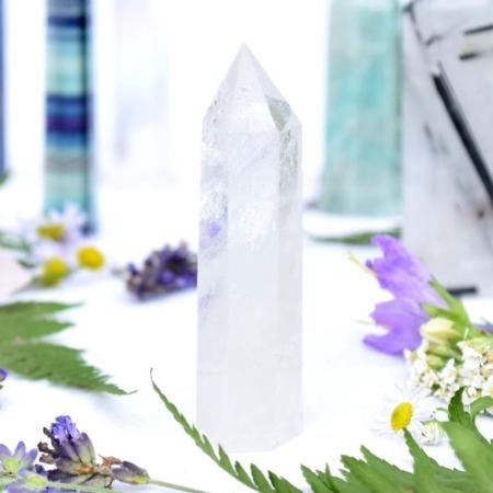 Přírodní minerální kámen - broušený hrot z křišťálu, 7x1,8 cm