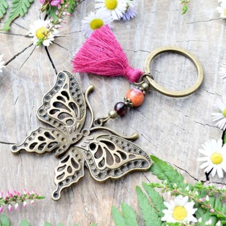~OHEŇ~ Velký přívěsek na klíče motýl s granátem a ohnivým achátem, střapeček