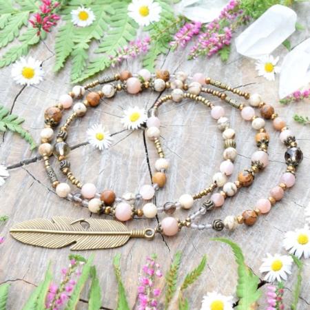 ~TÓNY~ Jedinečný boho náhrdelník s pírkem, slunečním kamenem, jaspisem a záhnědou