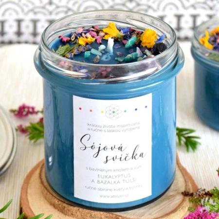 ~DUCHOVNO~ Přírodní sójová svíčka zdobená minerály • eukalyptus a bazalka tulsi, 350 ml