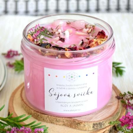~NĚŽNOST~ Přírodní sójová svíčka zdobená minerály • růže a jasmín, 225 ml