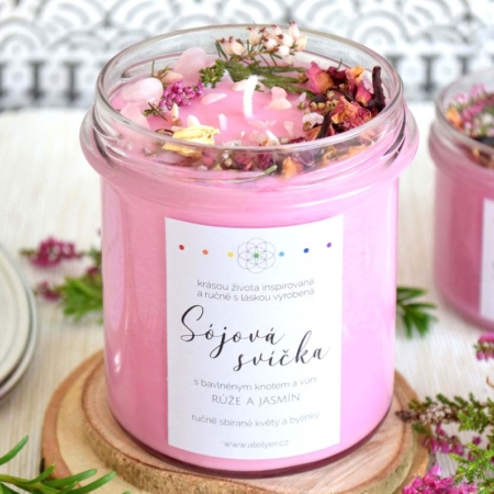 ~NĚŽNOST~ Přírodní sójová svíčka zdobená minerály • růže a jasmín, 350 ml -