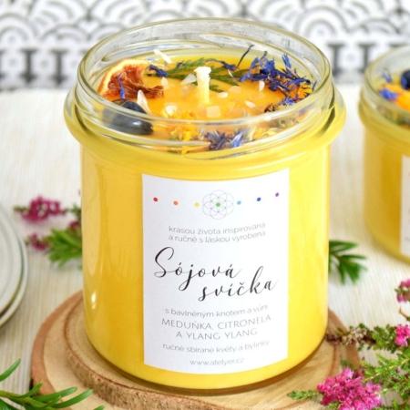 ~KLIDNÁ MYSL~ Přírodní sójová svíčka zdobená minerály • meduňka, citronela a ylang ylang, 350 ml